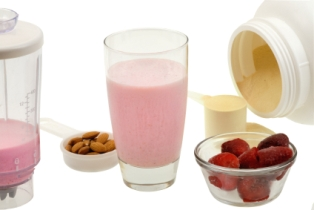 Whey protein supplementing improves heart health by increasing blood flow, study concludes.