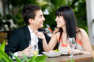 Chances are a woman will consume fewer calories when dining with a man.