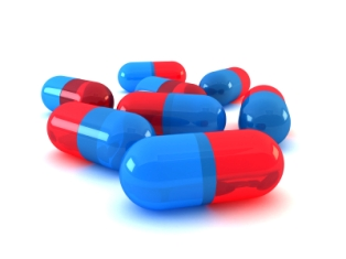Study finds a possible association between birth defects and certain antibiotics.