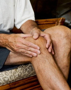 """Could the advice to """"stay off that knee"""" for knee pain be hurting more than helping?  Researchers think so."""